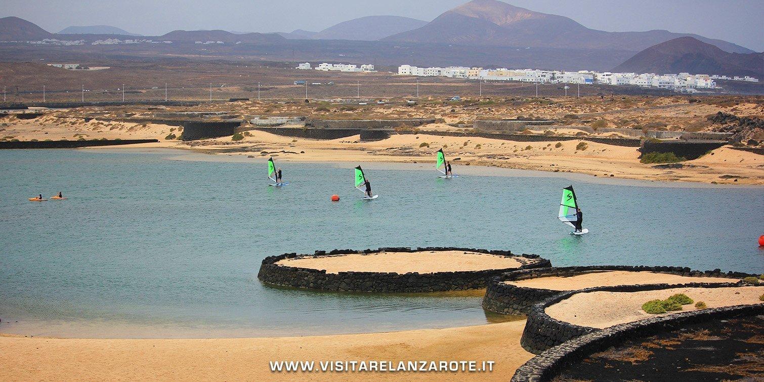 Playa de la Ria de La Santa lanzarote