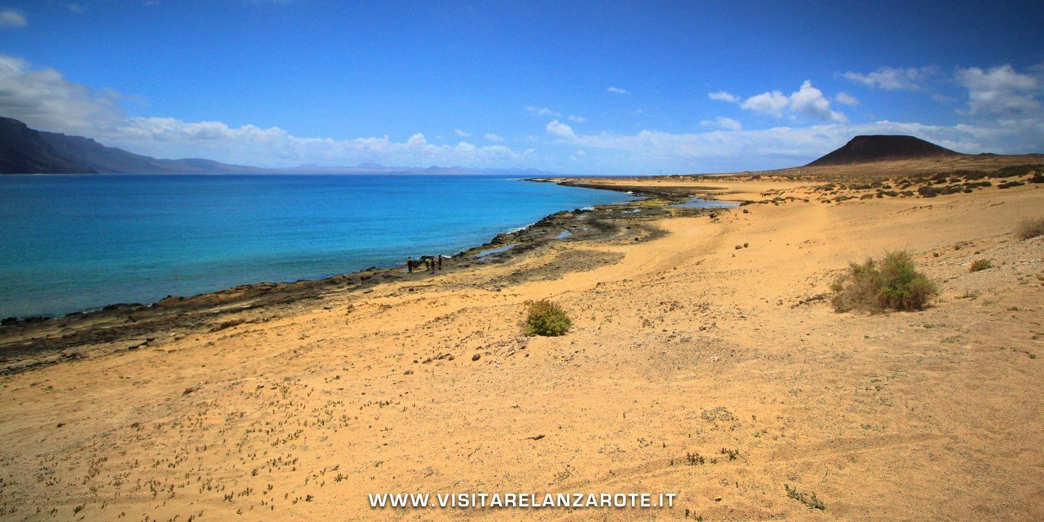 Playa El Salado la graciosa Lanzarote