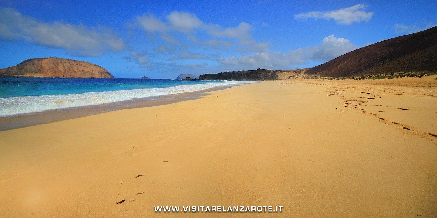 Playa de las Conchas la graciosa Lanzarote
